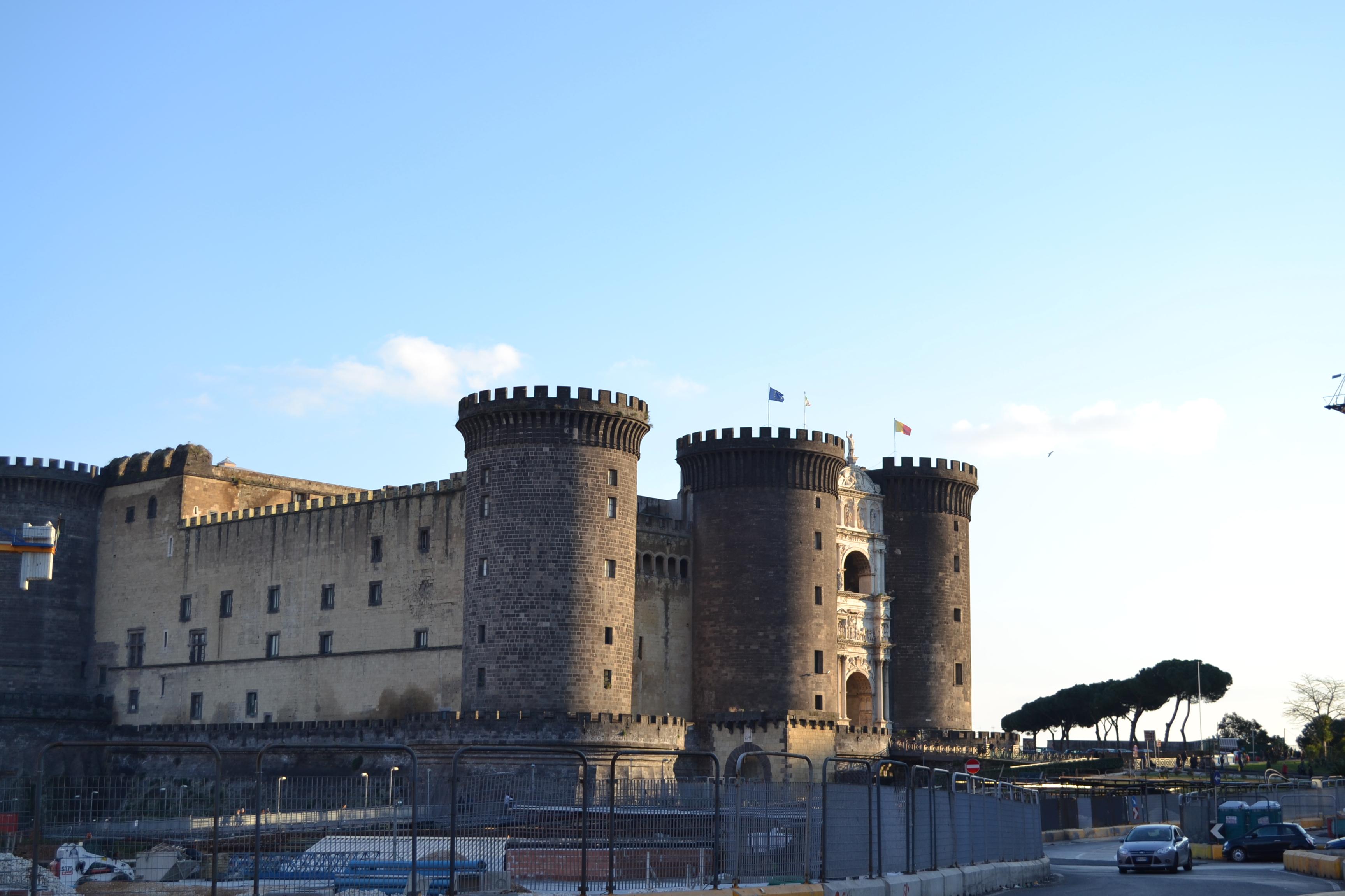 ITALIE - Naples - Castel Nuovo