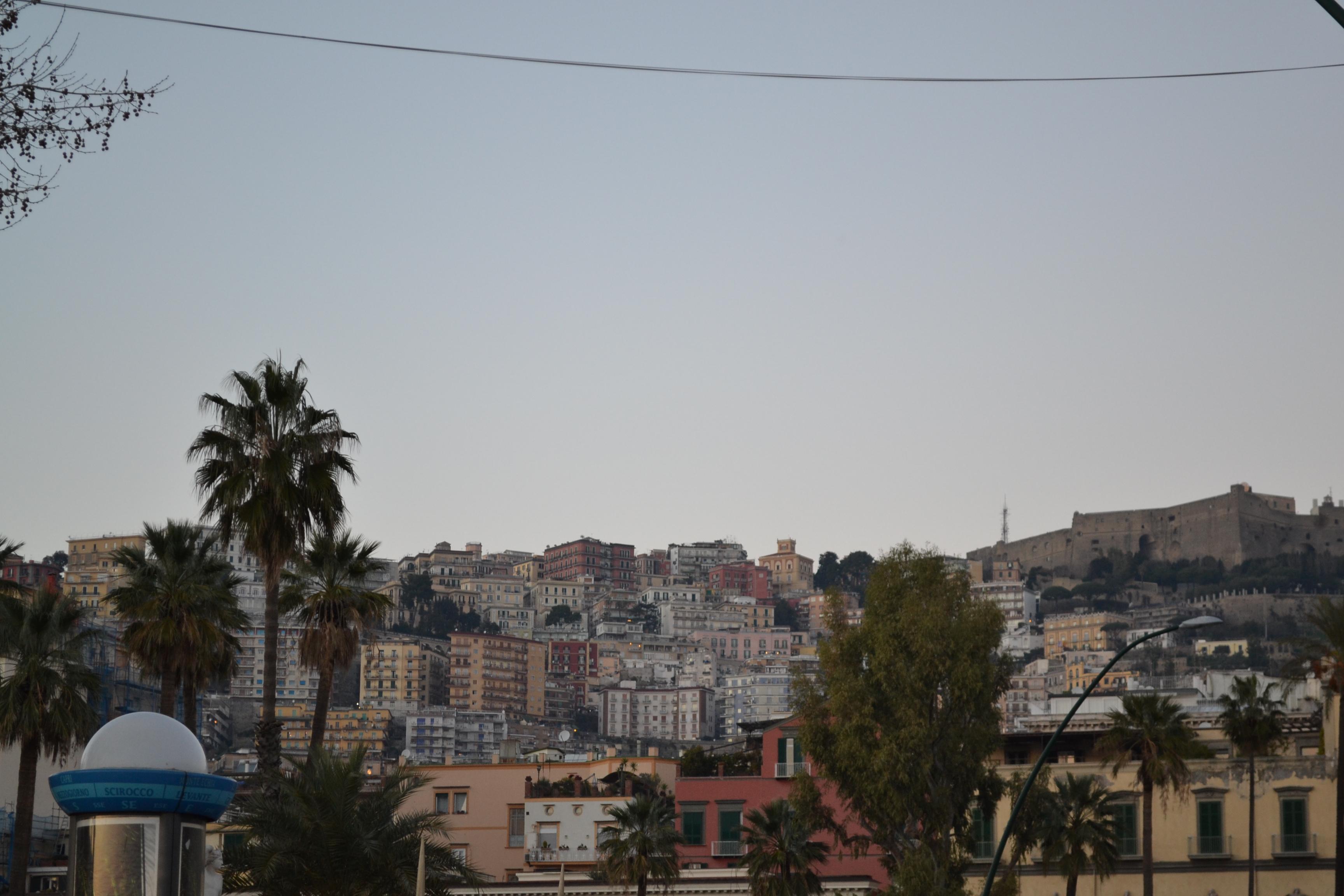 ITALIE - Naples - vue